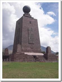 Monument równika w Mitad del Mundo