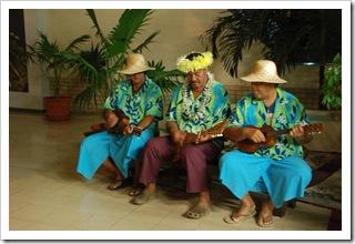 Kapela na lotnisku Faa na Tahiti o godzinie 4 nad ranem